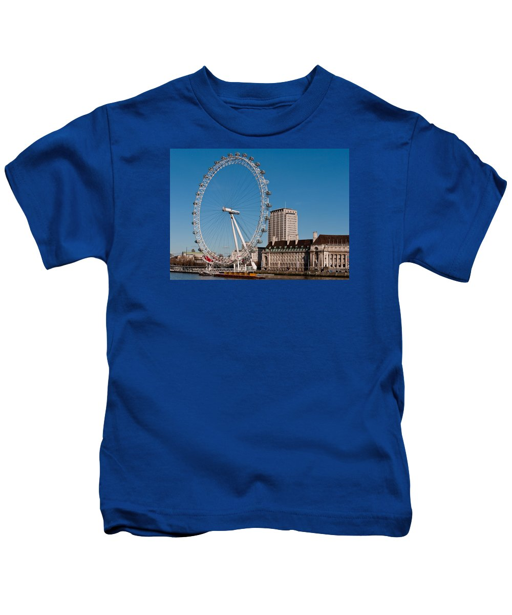 The London Eye Kids T-Shirt featuring the photograph The London Eye by Wendy Le Ber