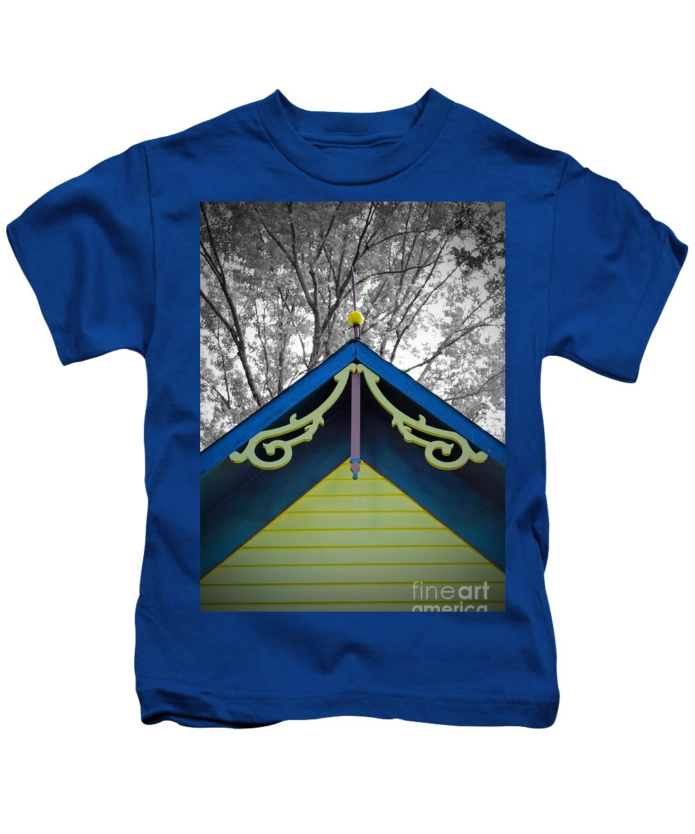 Victorian Kids T-Shirt featuring the photograph The Peak by Jost Houk