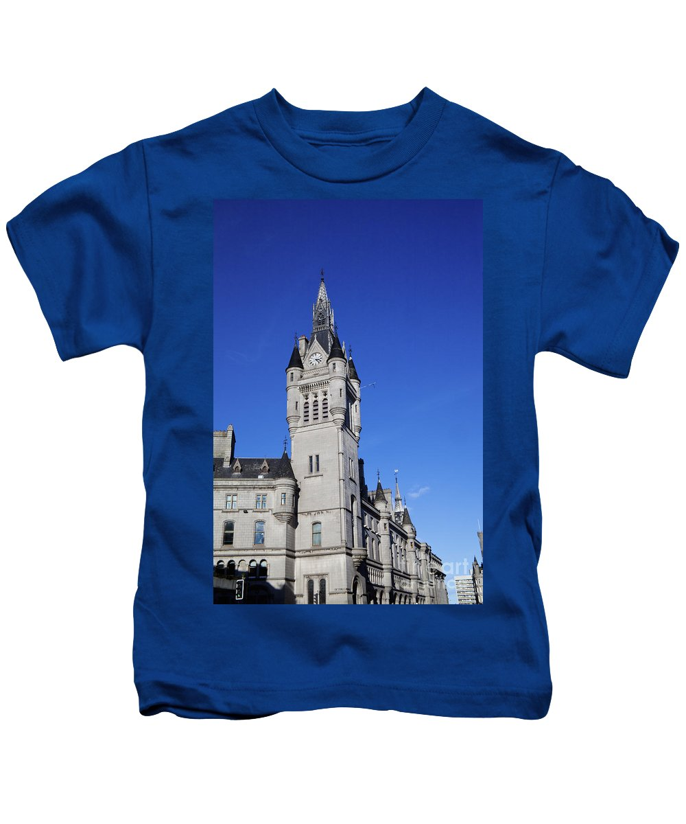Architecture Kids T-Shirt featuring the photograph The Town House by Diane Macdonald