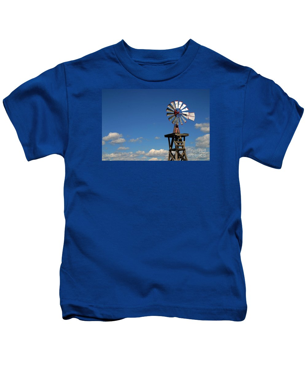 Windmill Photographs Kids T-Shirt featuring the photograph Windmill-5749b by Gary Gingrich Galleries