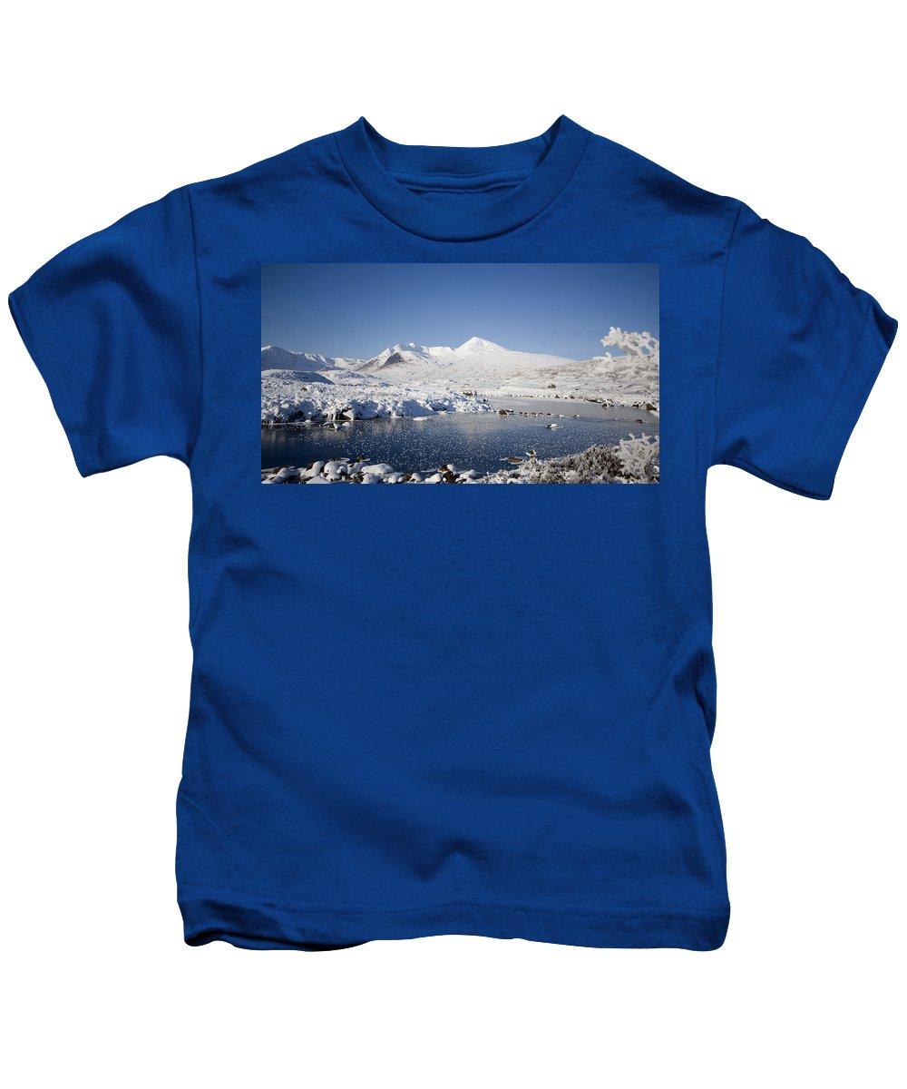 Scotland Kids T-Shirt featuring the digital art Rannoch Moor by Pat Speirs