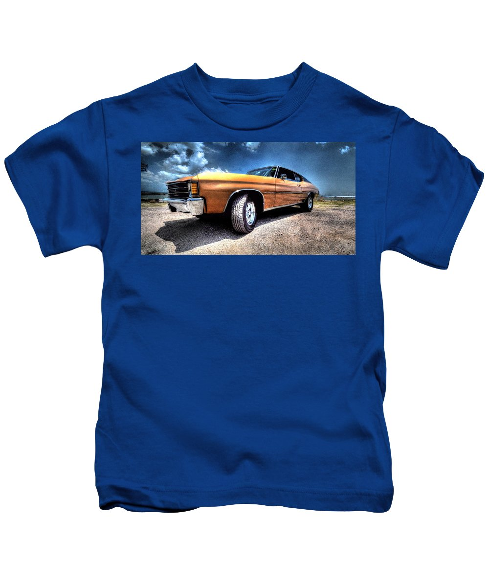 1972 Chevrolet Chevelle Kids T-Shirt featuring the photograph 1972 Chevelle by David Morefield