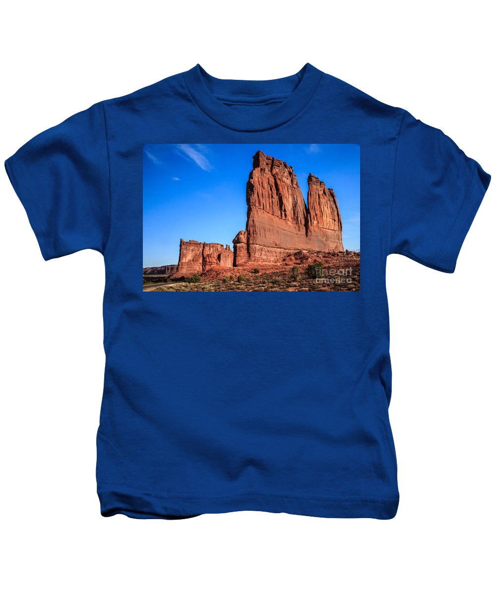 Arches National Park Kids T-Shirt featuring the photograph Courthouse II by Robert Bales