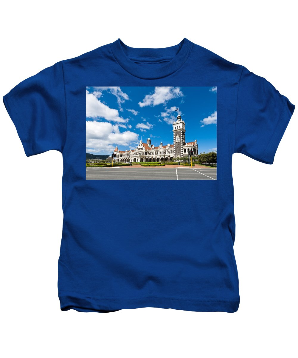Arch Kids T-Shirt featuring the photograph Dunedin Railway Station During A Sunny Day by U Schade