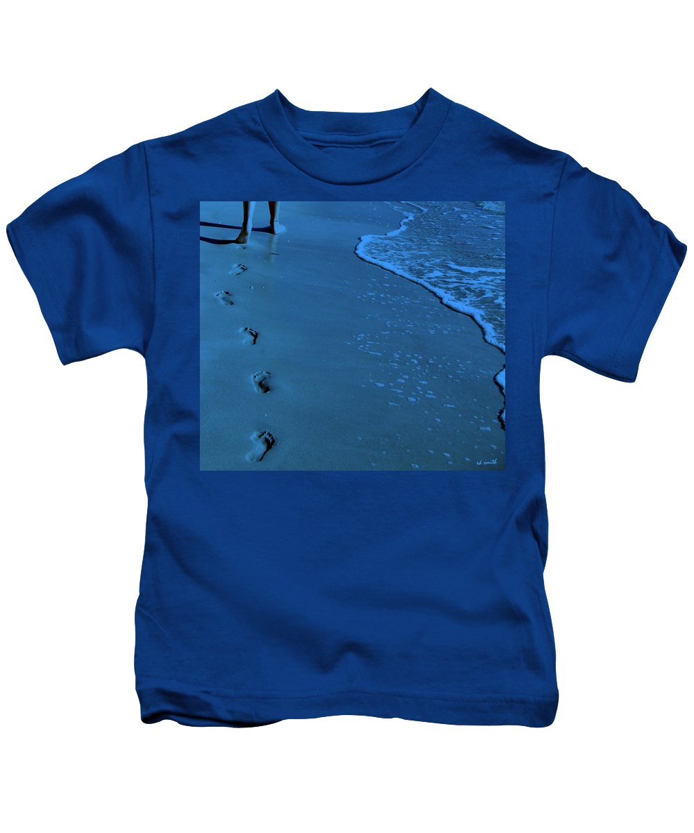 Endless Summer Kids T-Shirt featuring the photograph Endless Summer by Edward Smith