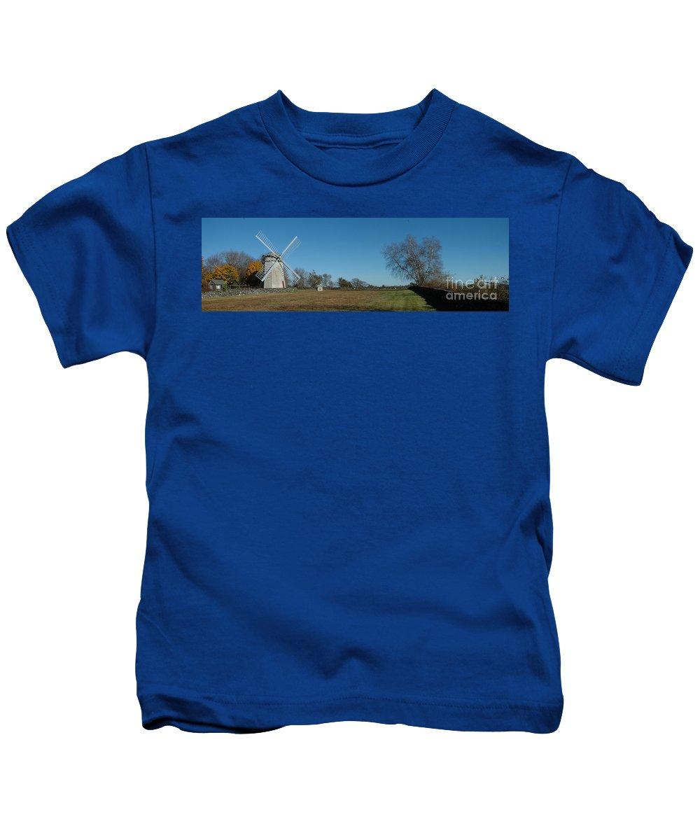 Jamestown Kids T-Shirt featuring the photograph Jamestown Windmill by Mike Nellums