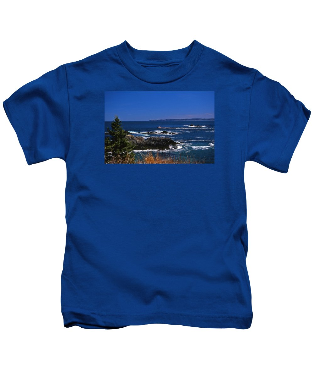 Me Kids T-Shirt featuring the photograph Maine At West Quoddy by Skip Willits