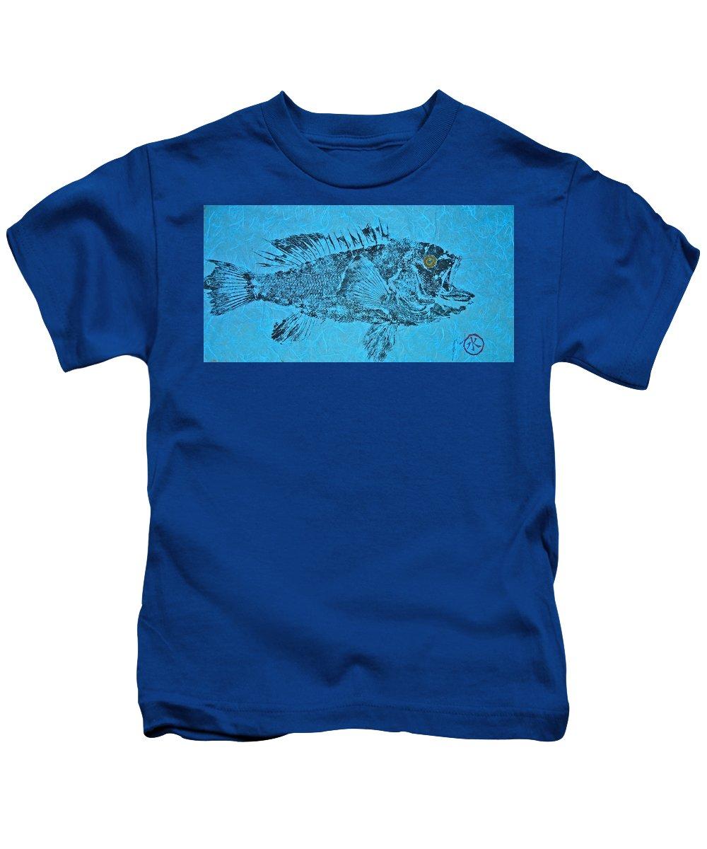 Gyotaku Kids T-Shirt featuring the mixed media Black Sea Bass - Rockfish - Grouper by Jeffrey Canha