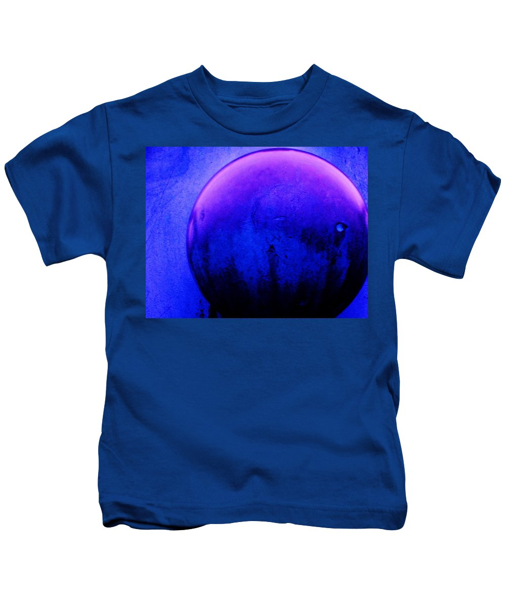 Abstract Kids T-Shirt featuring the painting Abstract Metal Ball by Eric Schiabor