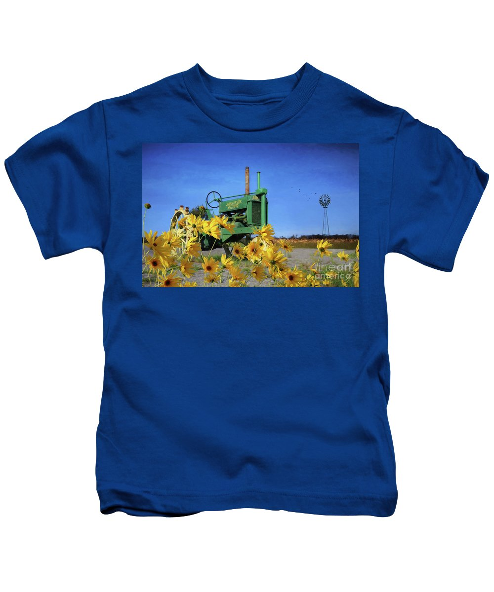 Tractor Kids T-Shirt featuring the photograph Antique John Deere by Lori Deiter