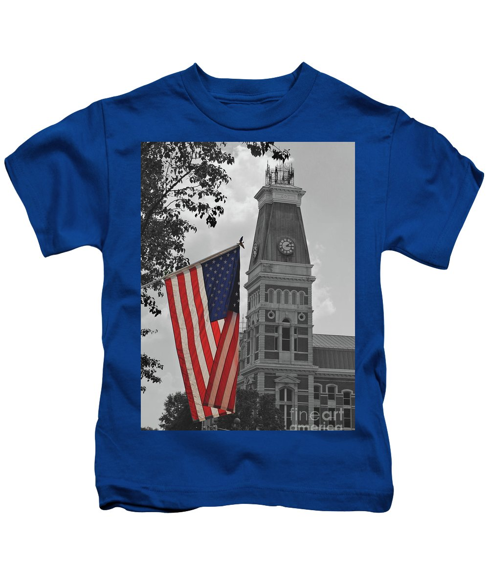 Bartholomew County Kids T-Shirt featuring the photograph Bartholomew County Court House by Jost Houk