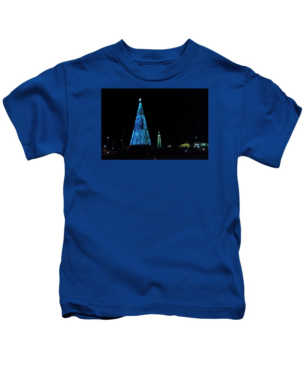 Christmas Tree Kids T-Shirt featuring the photograph Christmas Tree San Salvador 4 by Totto Ponce
