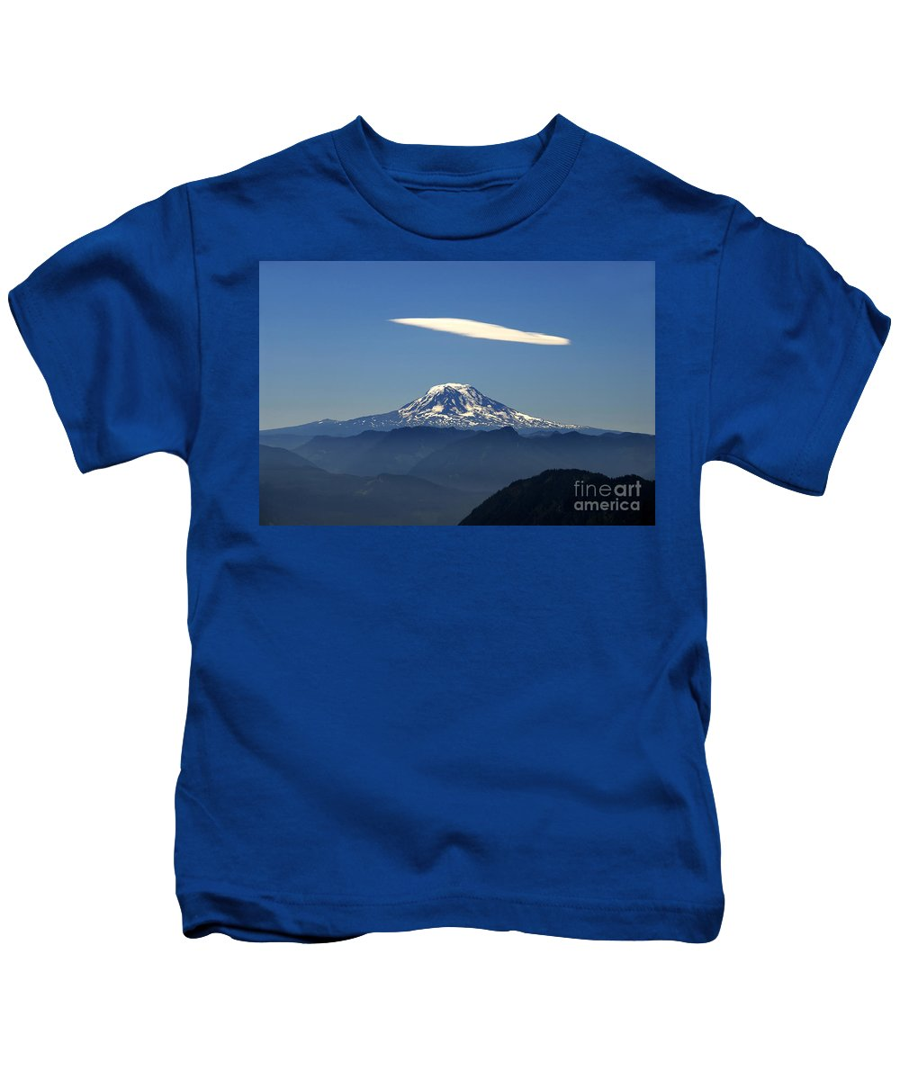 Mount Adams Kids T-Shirt featuring the photograph Cloud Over Adams by David Lee Thompson