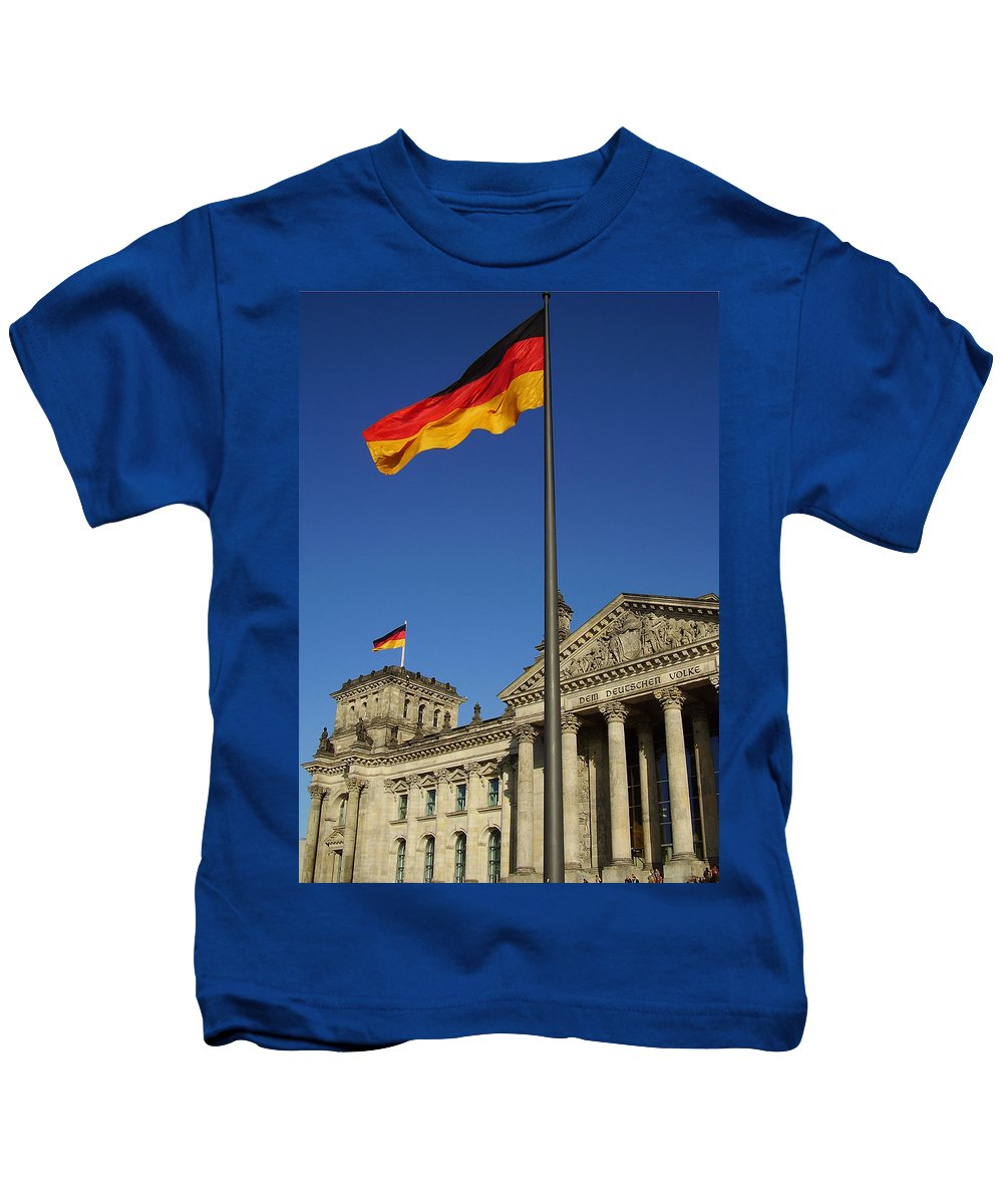 Deutscher Bundestag Kids T-Shirt featuring the photograph Deutscher Bundestag by Flavia Westerwelle