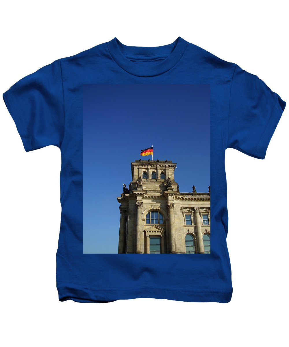 Deutscher Bundestag Kids T-Shirt featuring the photograph Deutscher Bundestag II by Flavia Westerwelle
