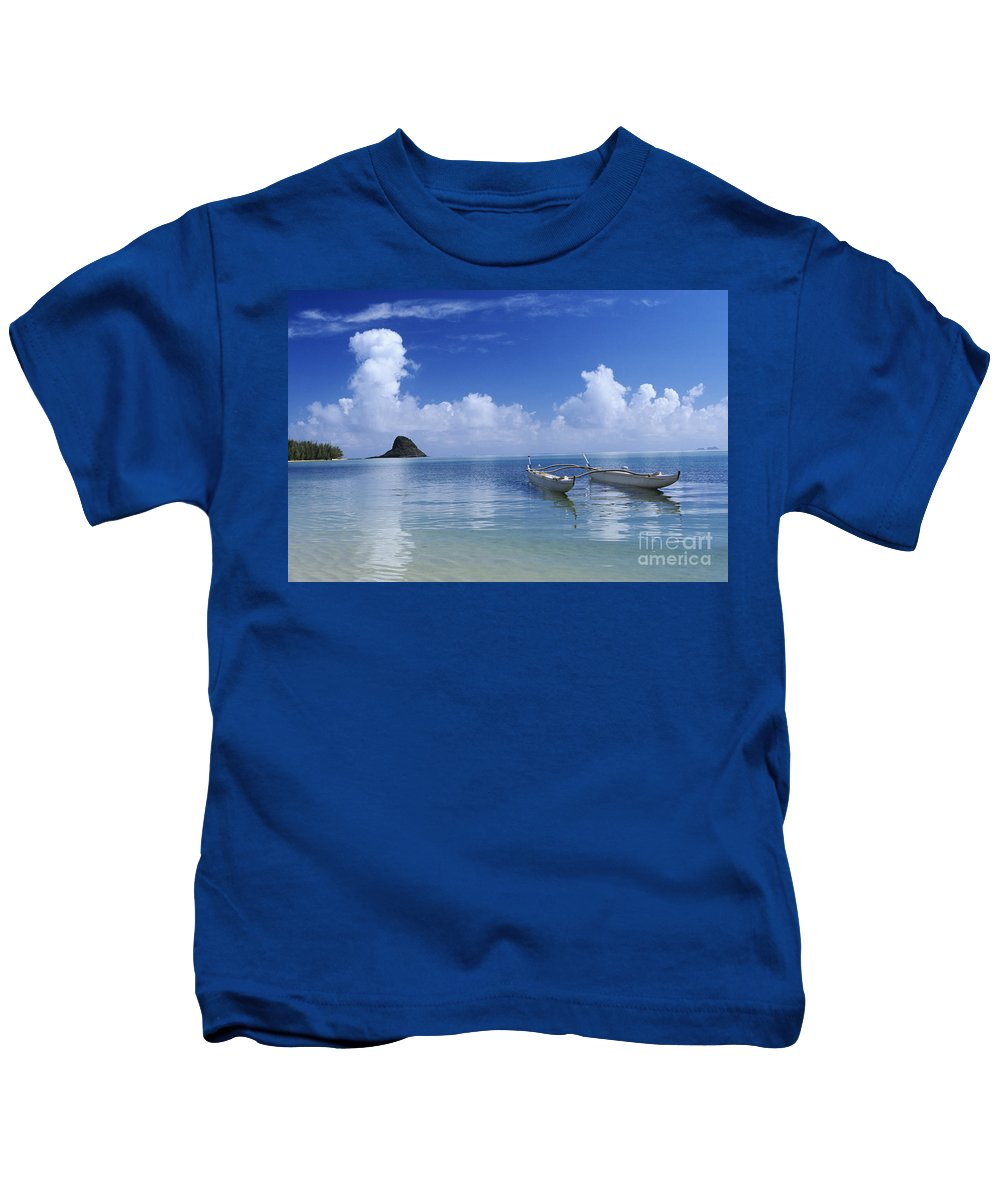 Aku Kids T-Shirt featuring the photograph Double Hull Canoe by Joss - Printscapes