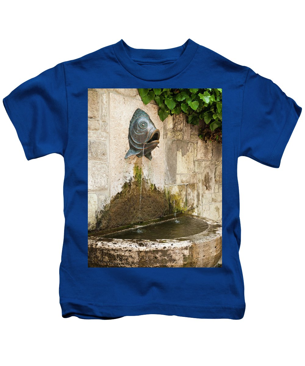 Fish Kids T-Shirt featuring the photograph Fish Fountain by Rae Tucker