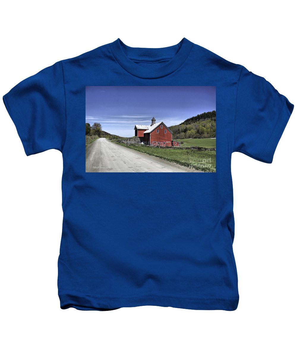 Rural Kids T-Shirt featuring the photograph Gallop Road Barn by Deborah Benoit