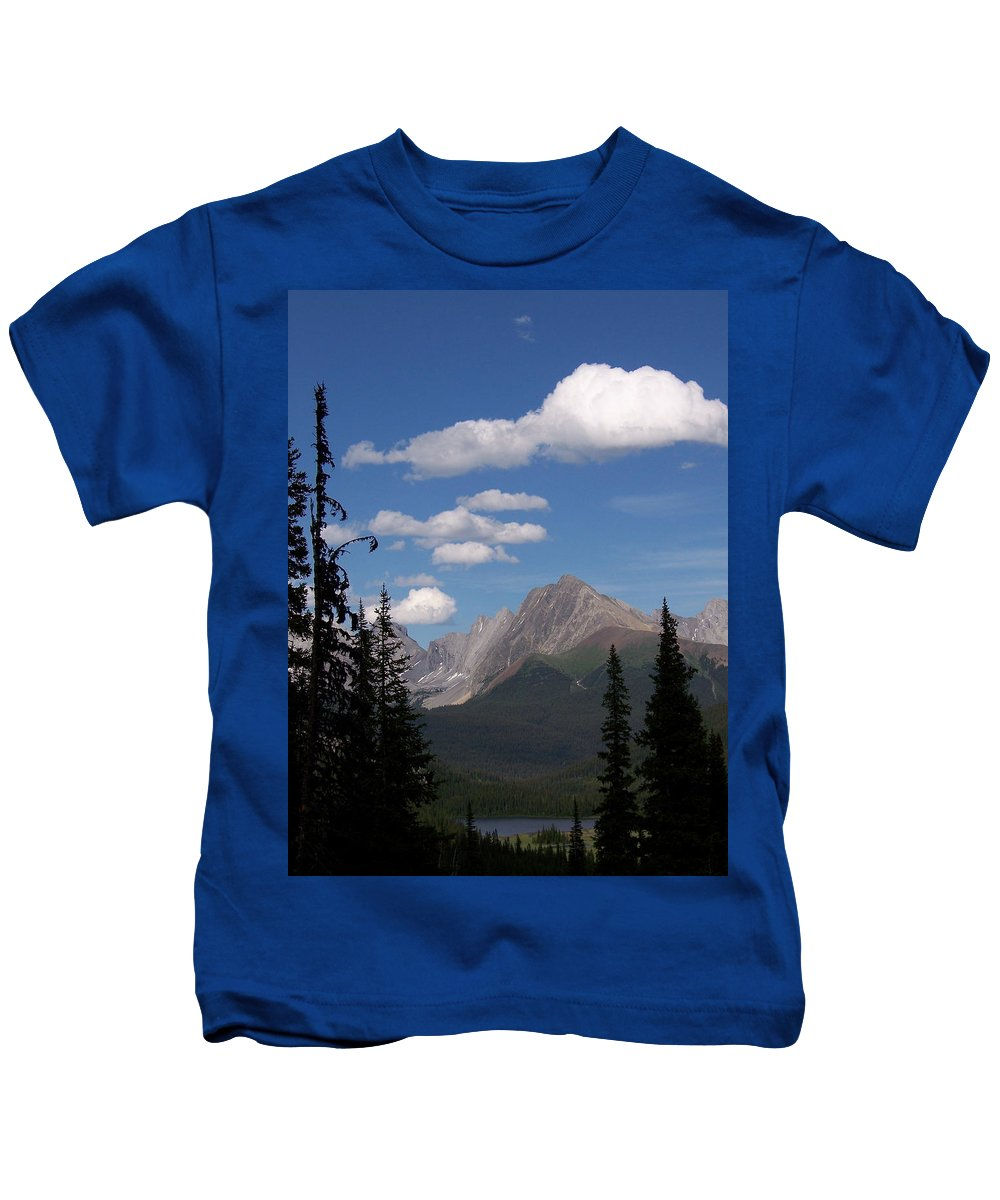 Spectacular View Kids T-Shirt featuring the photograph Into The Valley by Greg Hammond