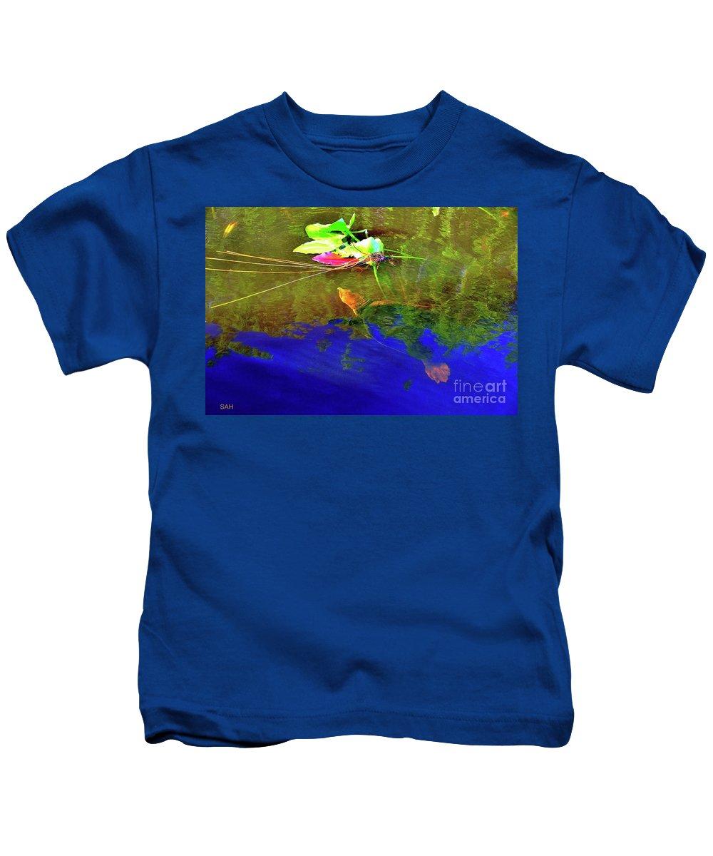 Loggerhead Sea Turtle Kids T-Shirt featuring the photograph Loggerhead Sea Turtle In The Florida Everglades by Sherri Hubby