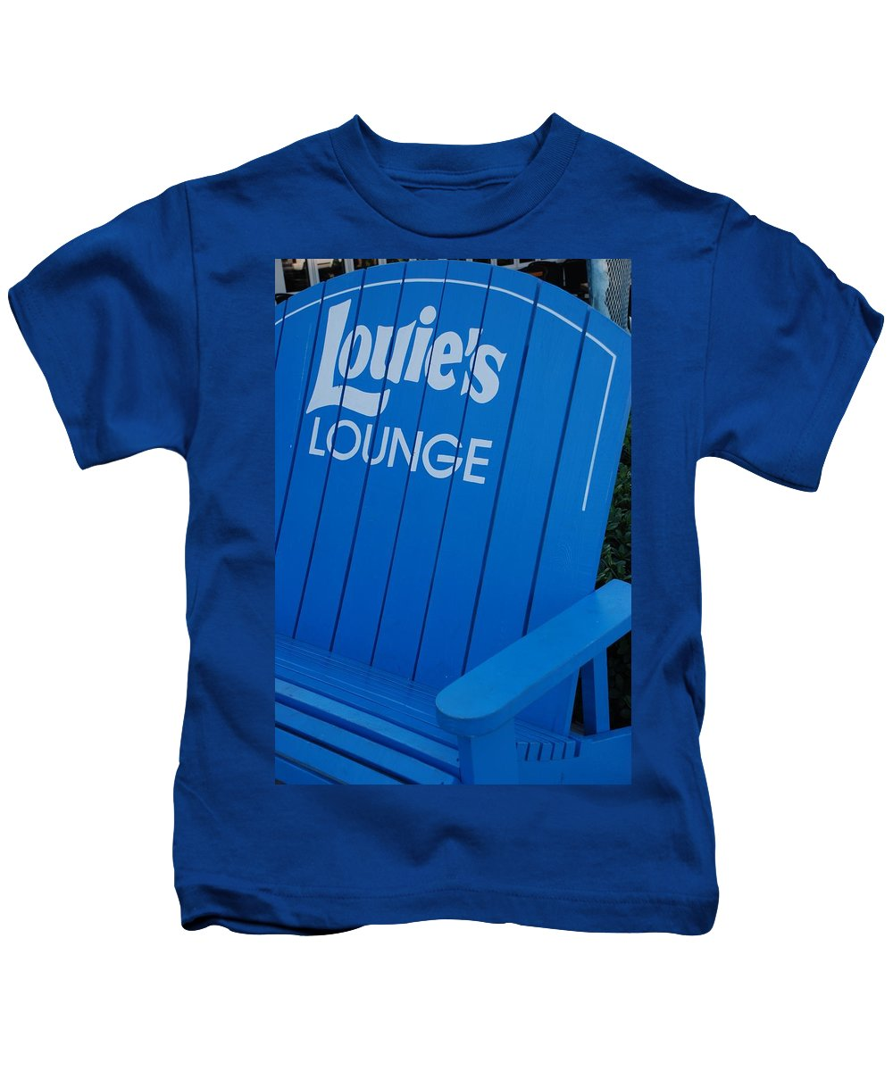Bench Kids T-Shirt featuring the photograph Louie S Lounge by Rob Hans