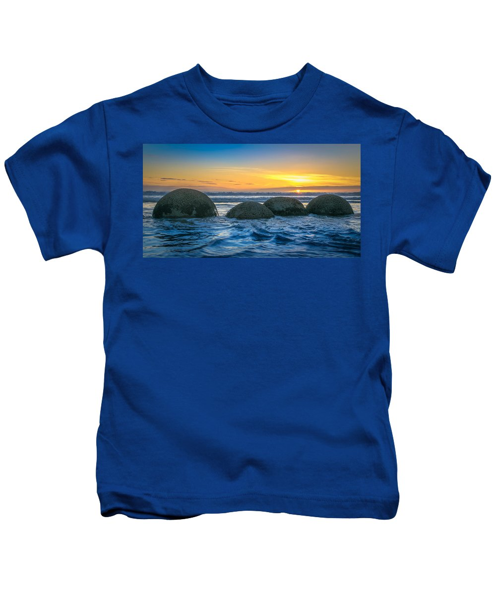 Moeraki Kids T-Shirt featuring the photograph Moeraki Sunrise by Martin Capek