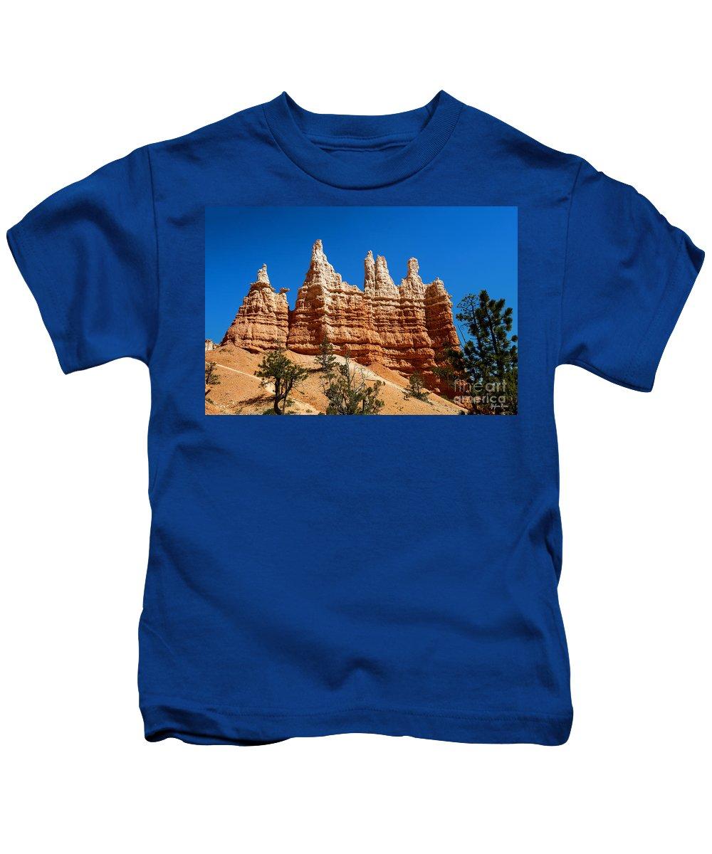 Queens Garden Trail Kids T-Shirt featuring the photograph Queens Garden by Yefim Bam