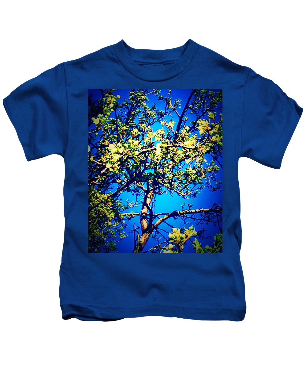 Bloom Kids T-Shirt featuring the photograph Sky Bloom by Lissa Merriman