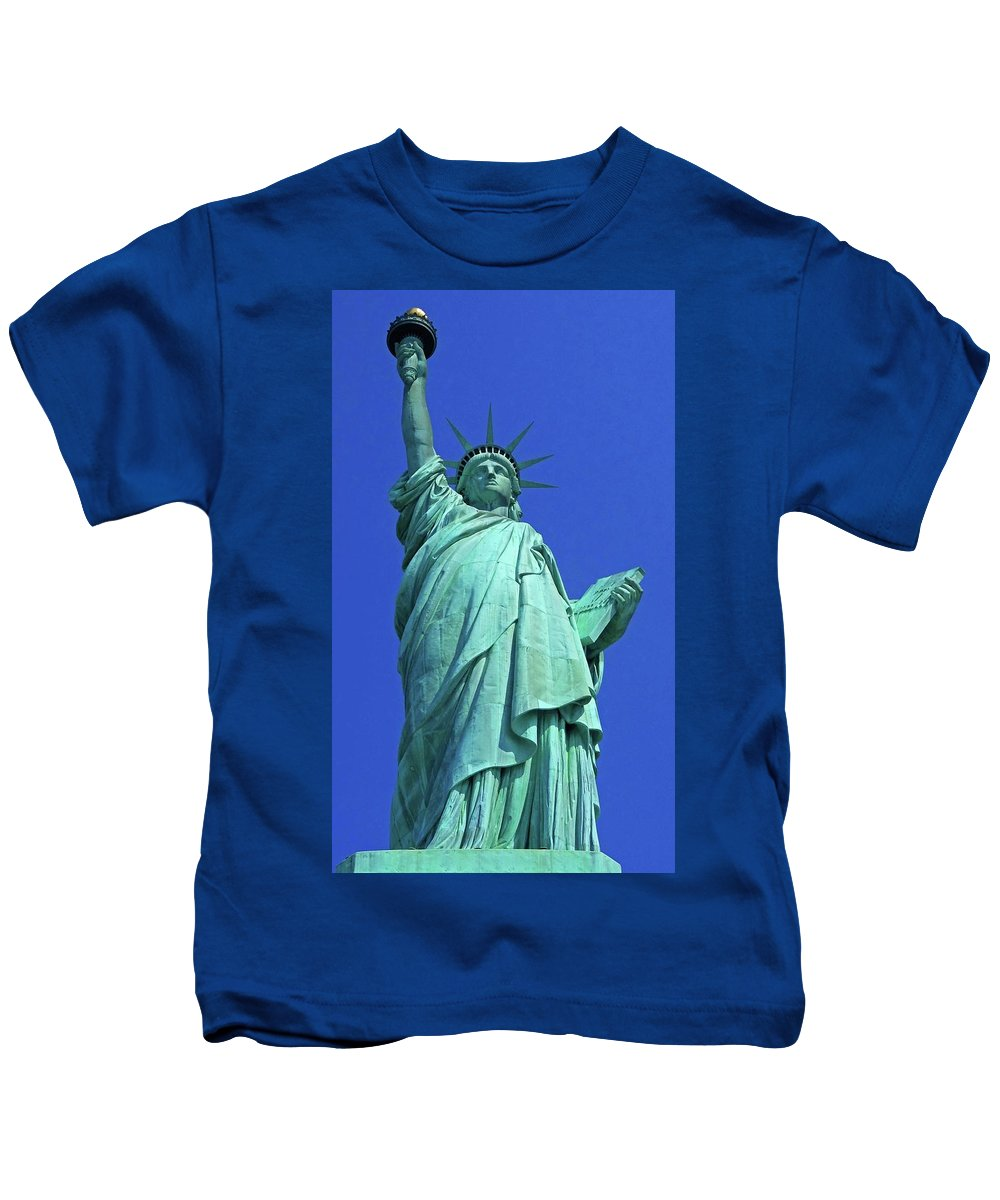 New York City Kids T-Shirt featuring the photograph Statue Of Liberty 17 by Ron Kandt