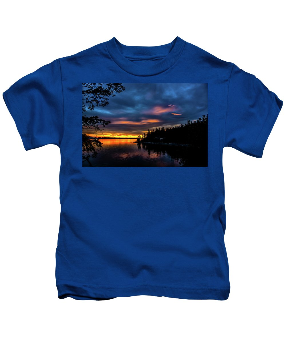 Sunset Kids T-Shirt featuring the photograph Straight Of Georgia by Glenn McGloughlin