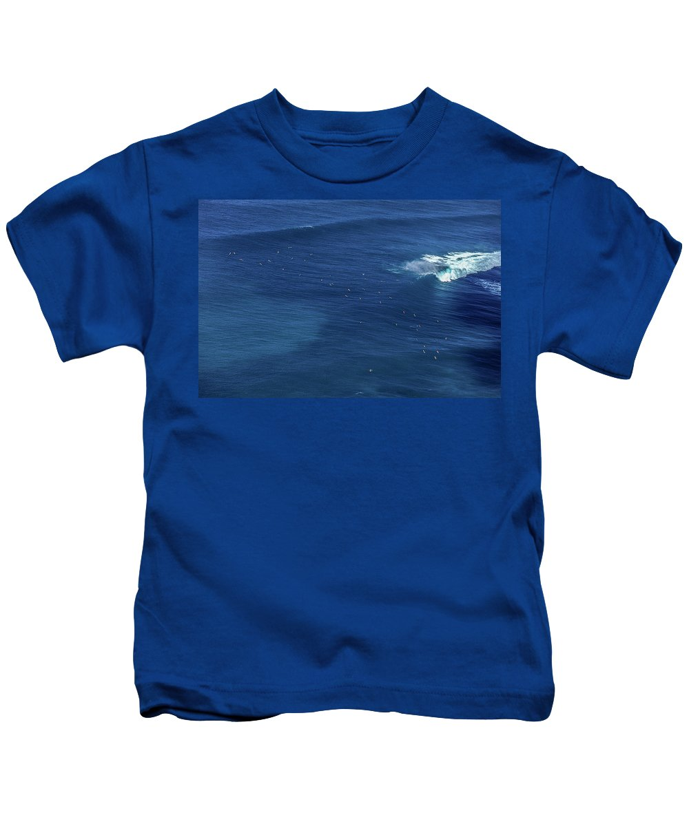 Helicopter Kids T-Shirt featuring the photograph Sunset Point Line-up by Sean Davey