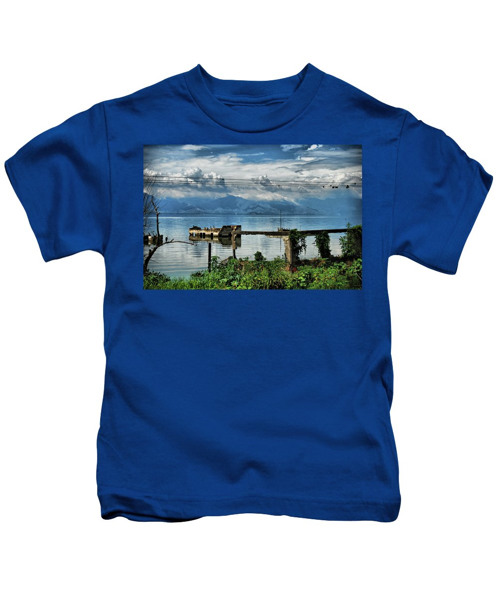 Lake Kids T-Shirt featuring the photograph Valencia Lake by Galeria Trompiz