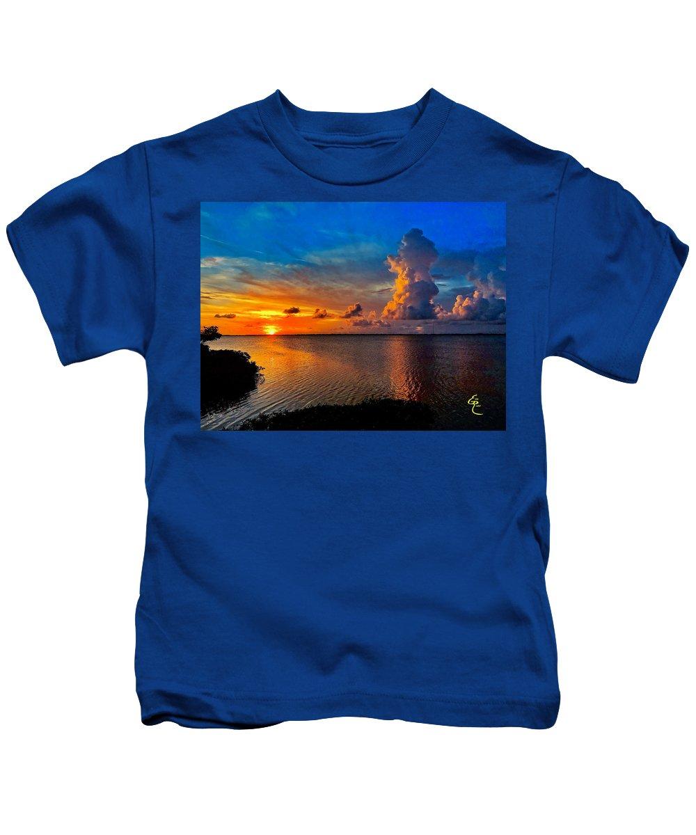 Sunset Kids T-Shirt featuring the photograph Sunset On Cudjoe Bay 8584 by Eddie Rosdhal