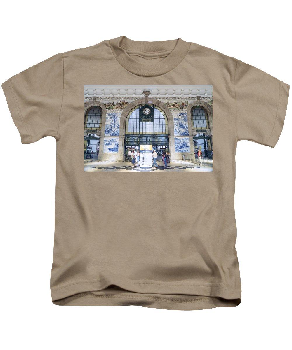 Architecture Kids T-Shirt featuring the photograph Dom Luis Bridge Porto Portugal by Jacek Malipan