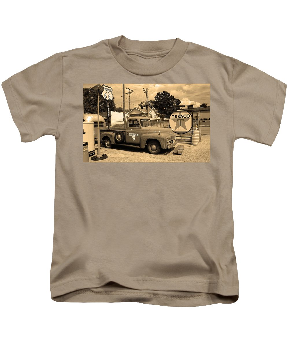66 Kids T-Shirt featuring the photograph Route 66 - Shea's Gas Station by Frank Romeo