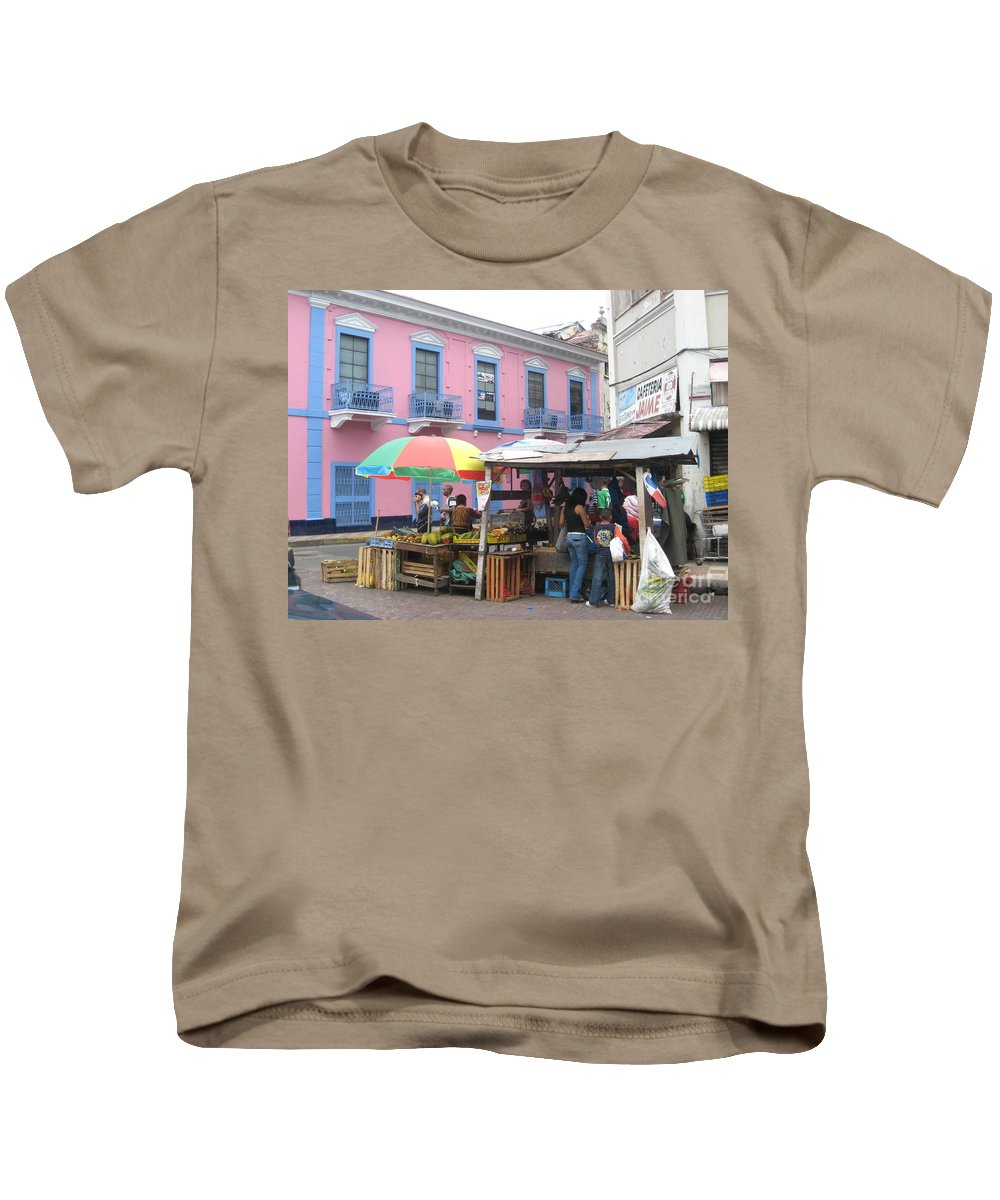 Panama Kids T-Shirt featuring the photograph A Pop Of Tropical Color by Jennifer E Doll