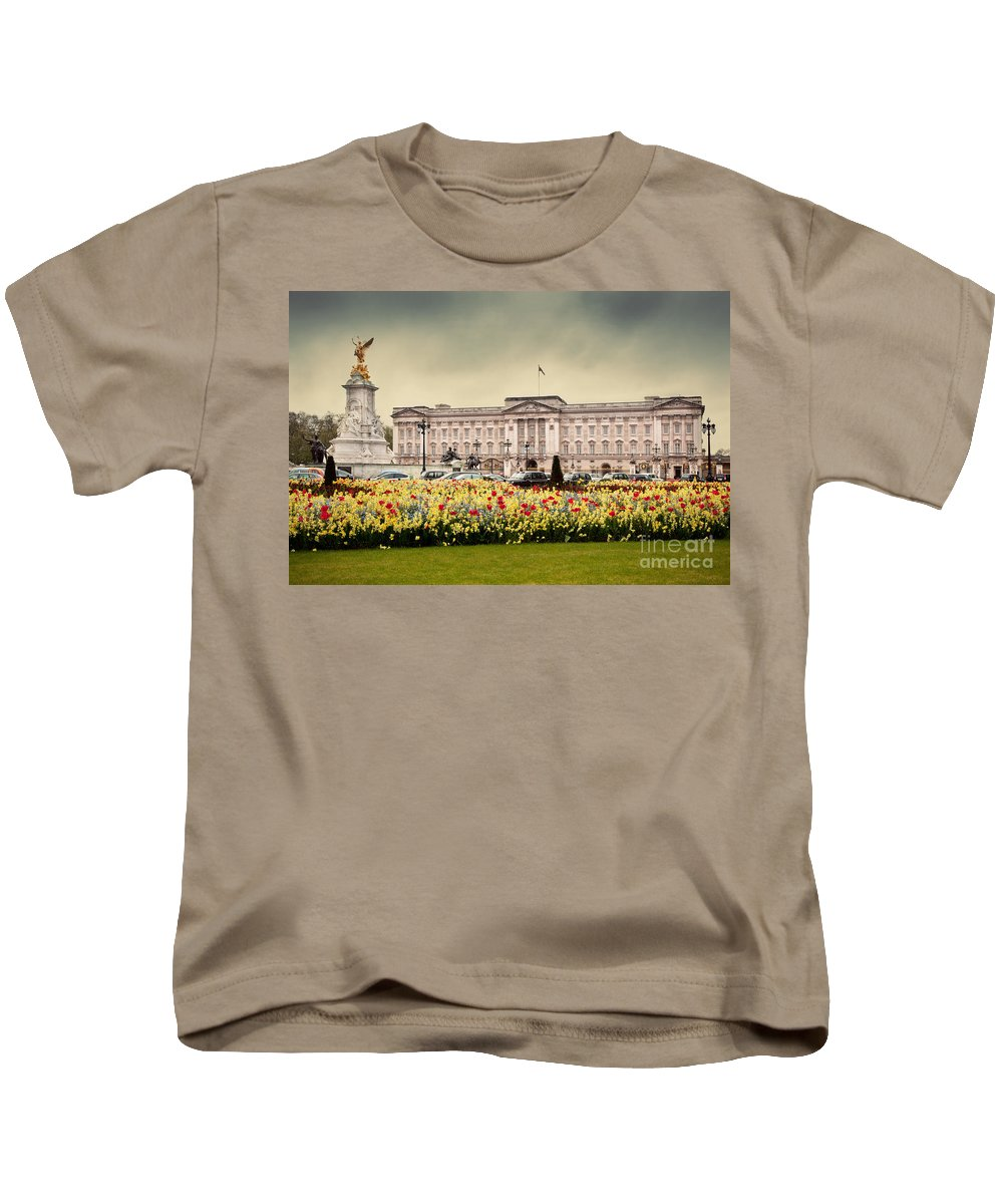 Buckingham Kids T-Shirt featuring the photograph Buckingham Palace In London Uk by Michal Bednarek