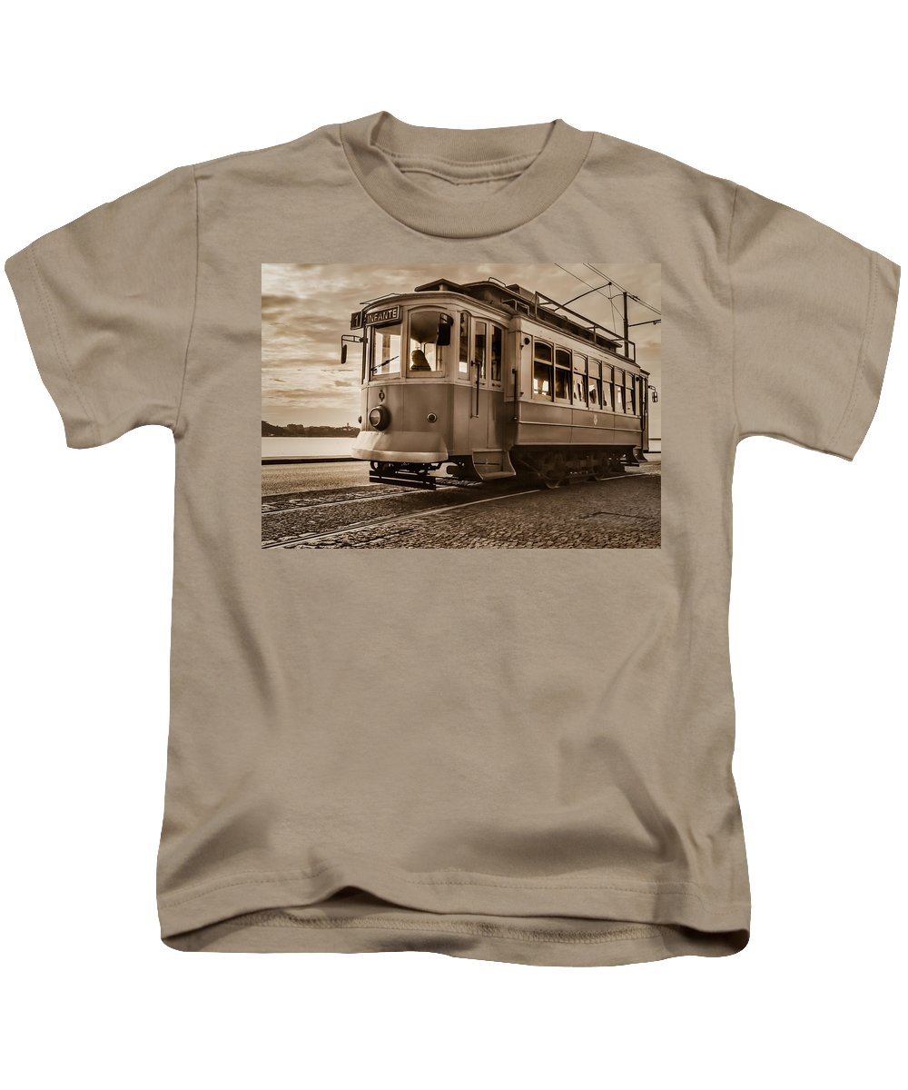 Cable Kids T-Shirt featuring the photograph Cable Car In Porto Portugal by Ernesto Santos