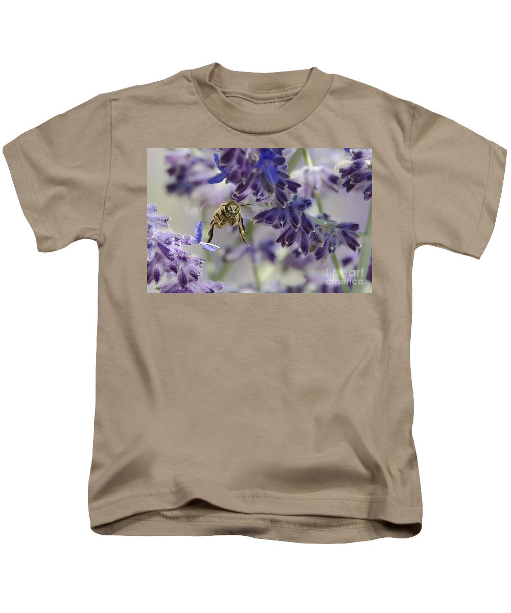 Bee Kids T-Shirt featuring the photograph Coming In For A Landing by Dianne Phelps