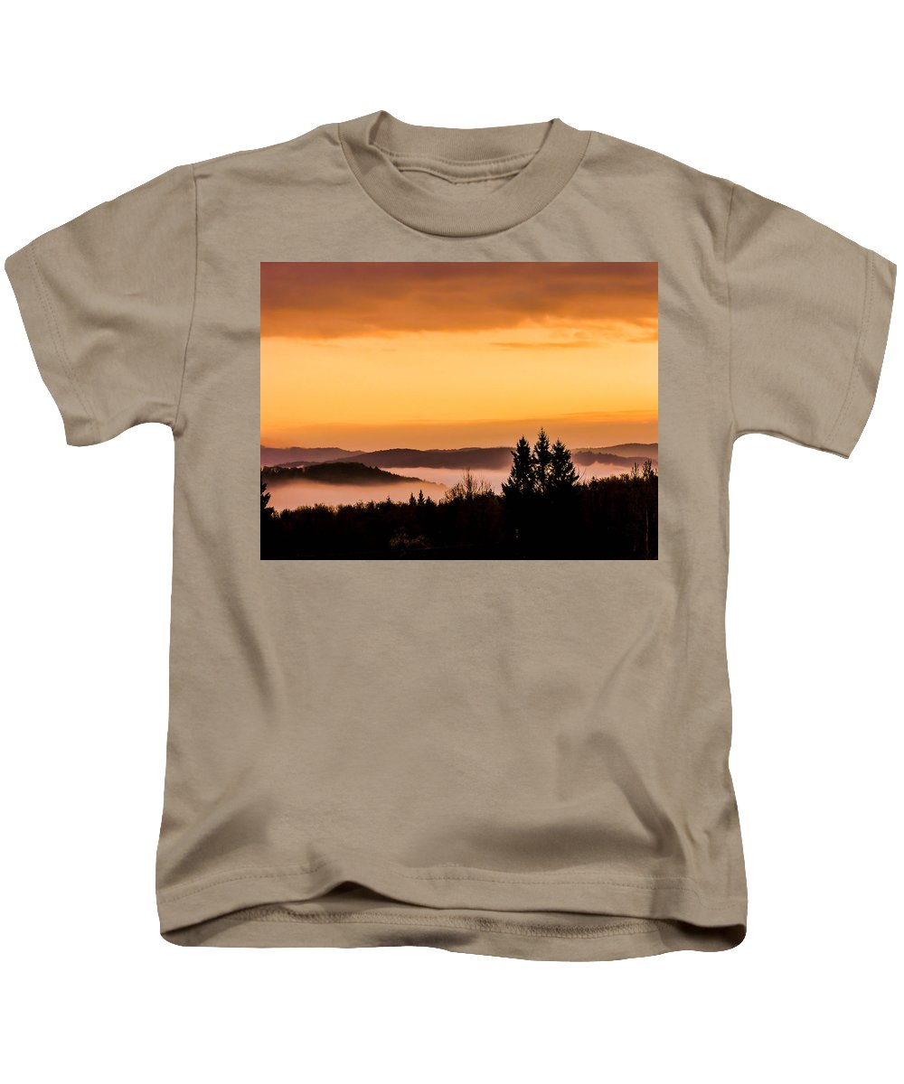 Sunrise Kids T-Shirt featuring the photograph Fog Below by Sherman Perry