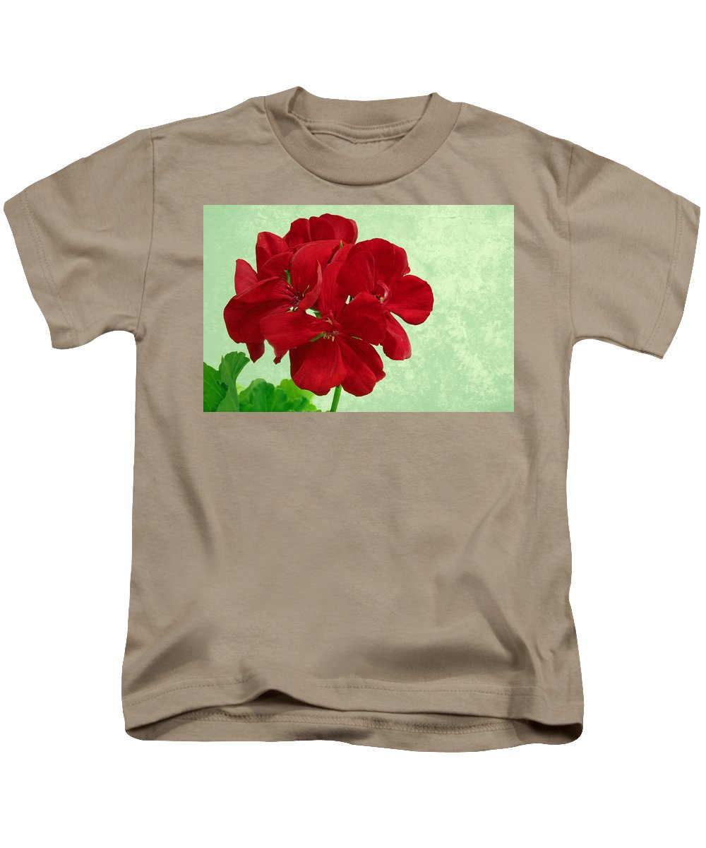 Bloom Kids T-Shirt featuring the photograph Geranium by Paul Fell
