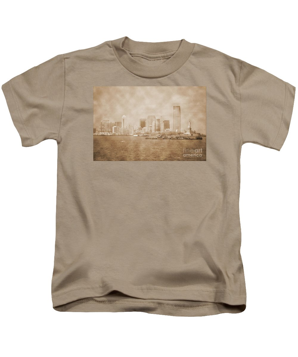 Bw Kids T-Shirt featuring the photograph Manhattan And Liberty Island Vintage by RicardMN Photography