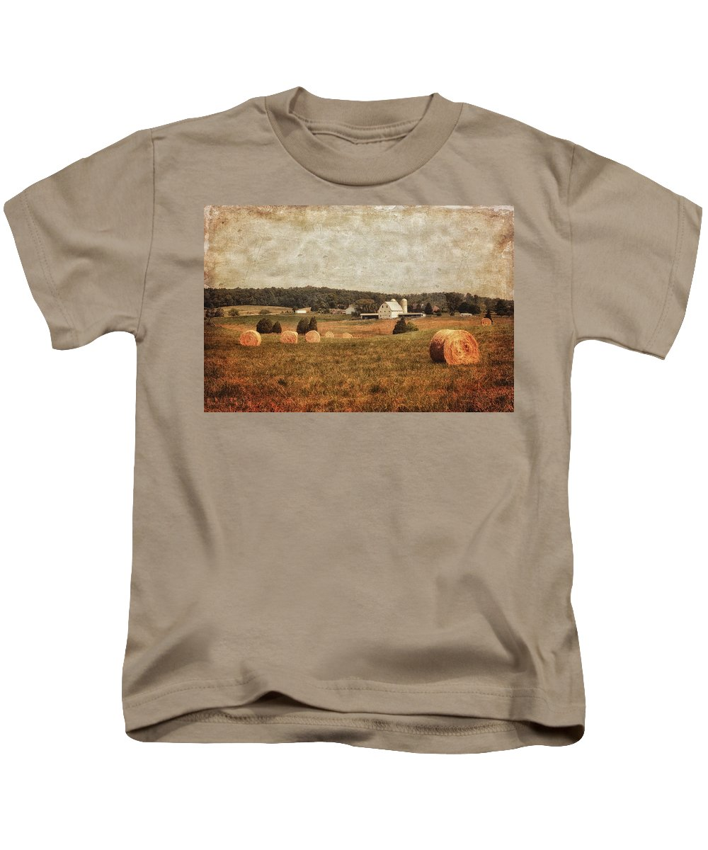 Barn Kids T-Shirt featuring the photograph Rural America by Kim Hojnacki