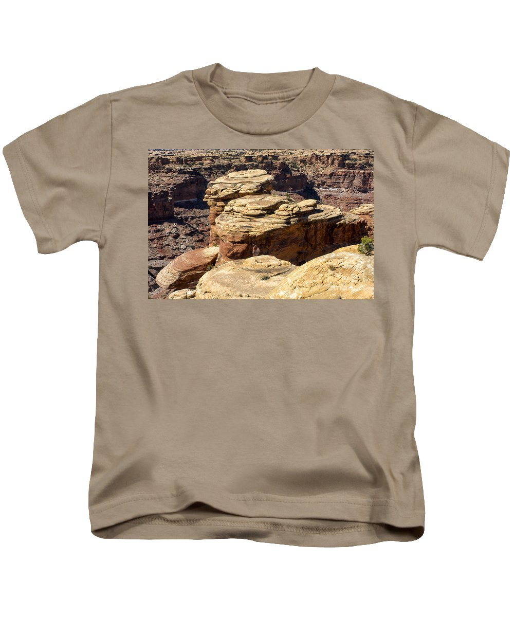 Slickrock Trail Needles District Canyonlands National Park Utah Trails Parks Canyon Canyons Mountain Mountains Rock Formation Formations Landscape Landscapes Desertscape Desertscapes Kids T-Shirt featuring the photograph Slickrock Canyon Formations by Bob Phillips