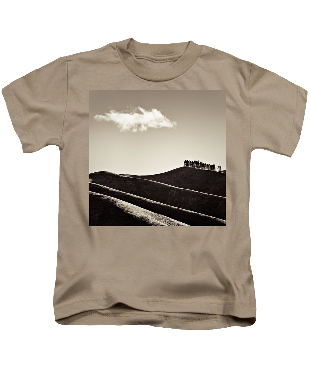 New Zealand Kids T-Shirt featuring the photograph Solitary Cloud by Dave Bowman