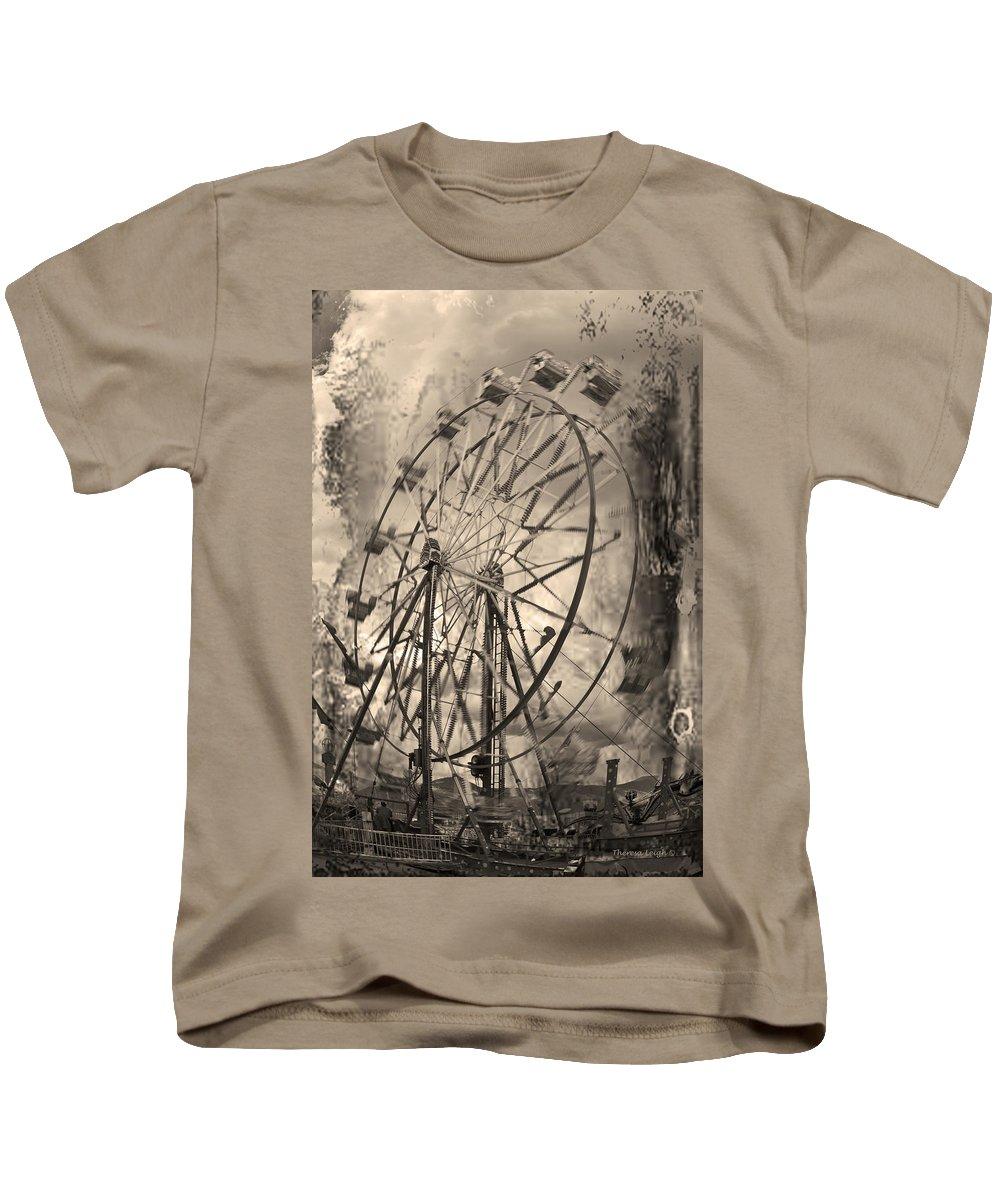 Ferris Wheel Kids T-Shirt featuring the photograph Vintage Ferris Wheel by Theresa Tahara