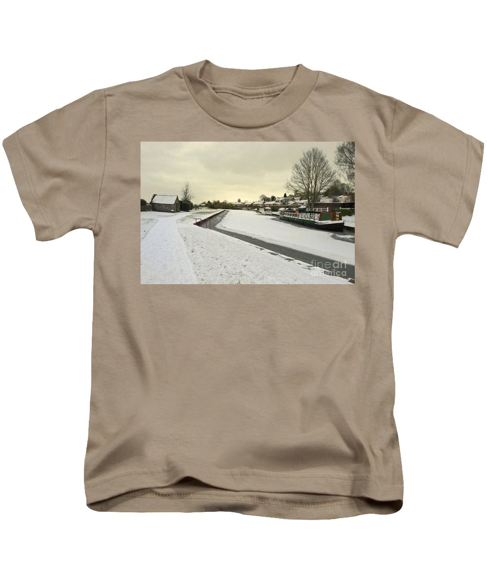 Grand Kids T-Shirt featuring the photograph Winter At The Basin by Rob Hawkins