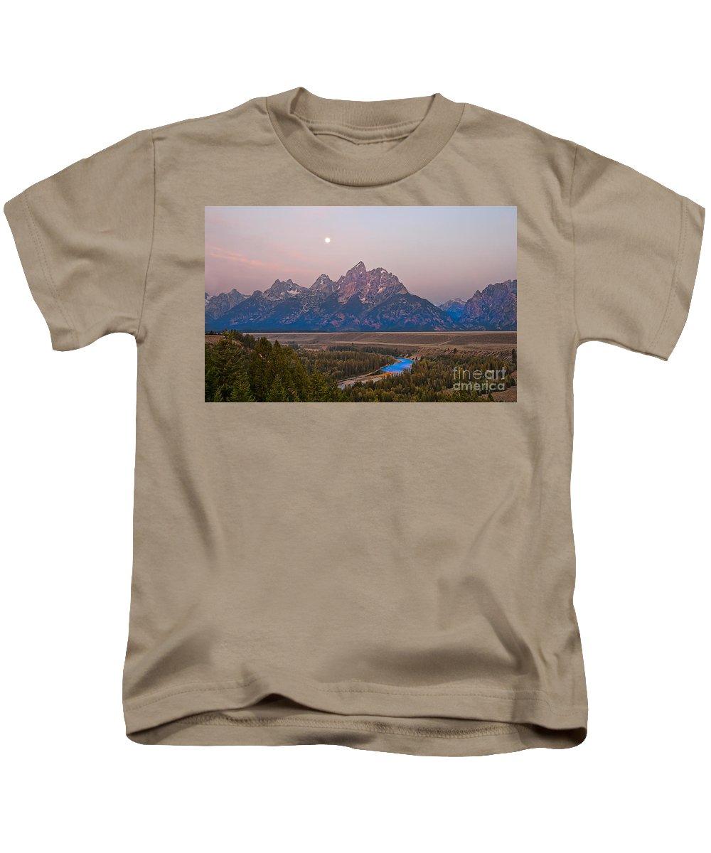 Grand Teton Kids T-Shirt featuring the photograph Setting Moon by Robert Bales