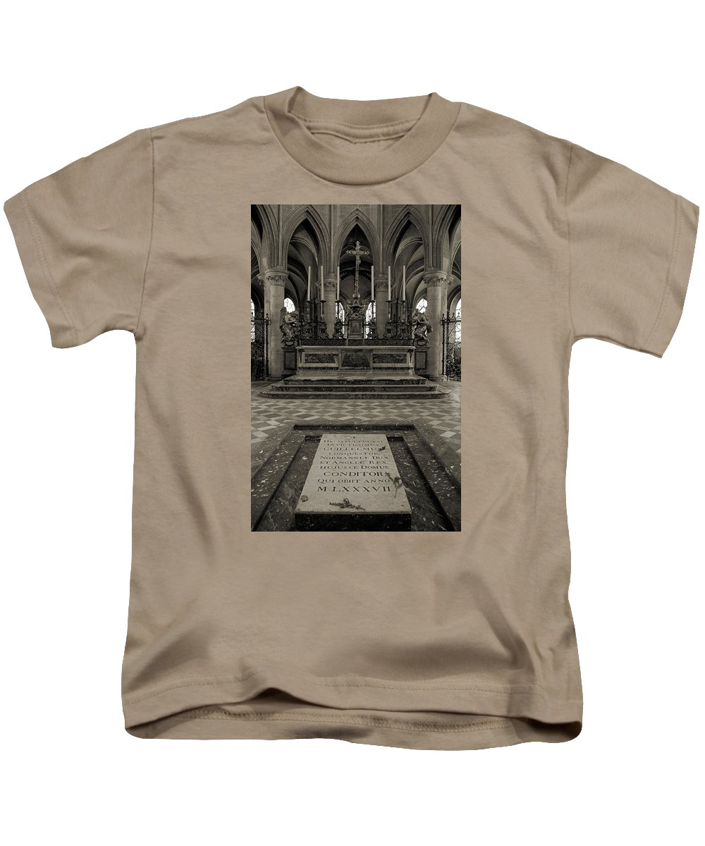 Tomb Kids T-Shirt featuring the photograph Tomb Of William The Conqueror by RicardMN Photography