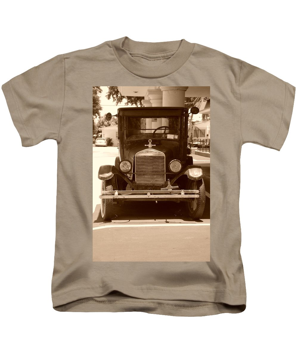 Sepia Kids T-Shirt featuring the photograph 1926 Model T by Rob Hans